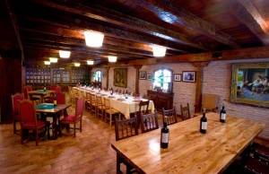 Comedor privado Bodegas y viñedos Heras Cordon. La Rioja