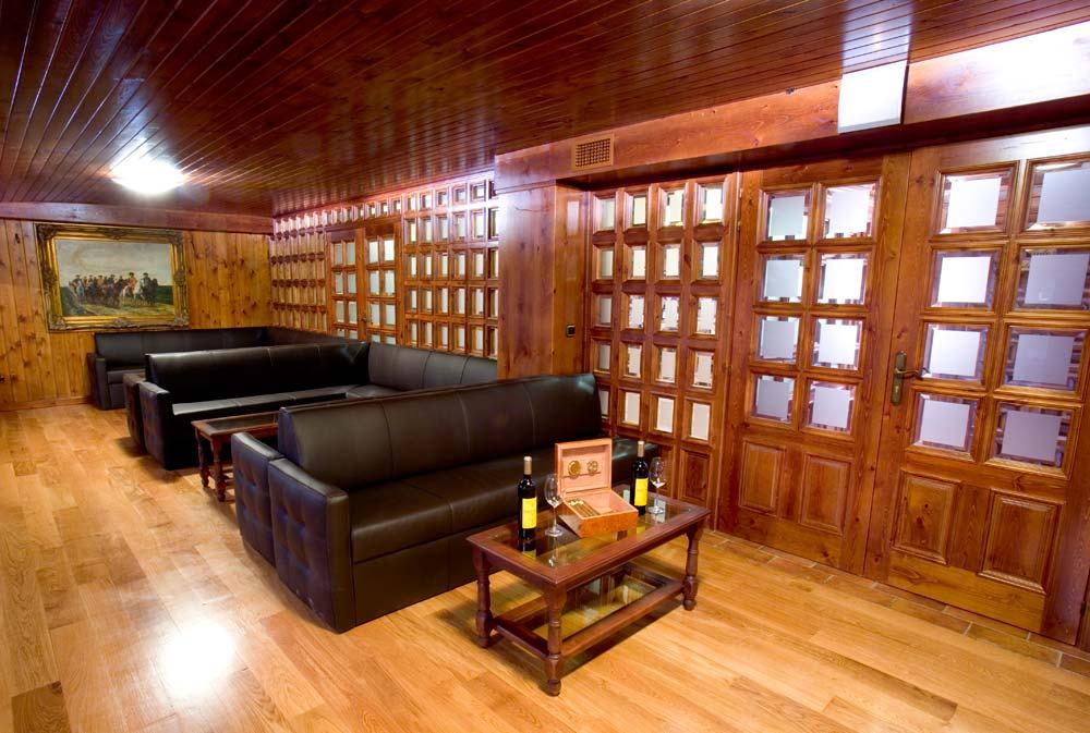 Salón social Bodegas y viñedos Heras Cordón