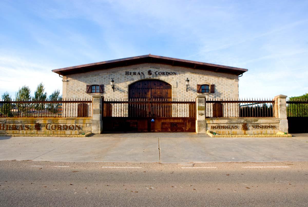Bodegas y viñedos Heras Cordón. Fuenmayor (La Rioja)